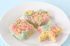 Who would of thought of using peeps for rice krispie treats? I am so trying this with the kids around Easter time. :~)
