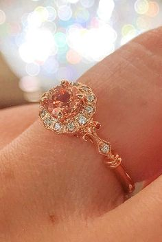 How Are Vintage Diamond Engagement Rings Not The Same As Modern Rings? If you're deciding from a vintage or modern diamond engagement ring, there's a great deal to consider. Wedding Rings Simple, Beautiful Wedding Rings, Wedding Rings Vintage, Wedding Jewelry, Dream Wedding, Vintage Rings, Vintage Heart, Vintage Jewellery, Elegant Wedding