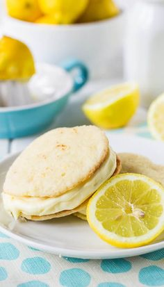 A fun and bright lemon-flavored whoopie pie to brighten your day. The cream cheese filling will leave you wanting more. Not too sweet, not t. Lemon Desserts, Lemon Recipes, Just Desserts, Sweet Recipes, Delicious Desserts, Yummy Food, Cookie Desserts, Tasty, Sandwich Cookies