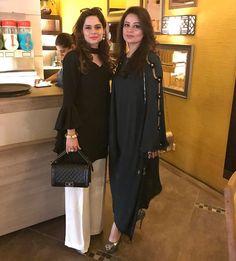 Indian Party Wear, Indian Wedding Outfits, Indian Wear, Latest Pakistani Dresses, Pakistani Outfits, Stylish Dresses, Simple Dresses, Dress Outfits, Fashion Dresses