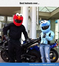 Funny pictures about Elmo And Cookie Monster Hitting The Road. Oh, and cool pics about Elmo And Cookie Monster Hitting The Road. Also, Elmo And Cookie Monster Hitting The Road photos. Cool Bike Helmets, Custom Motorcycle Helmets, Custom Helmets, Motorcycle Art, Custom Motorcycles, Elmo And Cookie Monster, Helmet Covers, Riding Gear, Cool Bikes