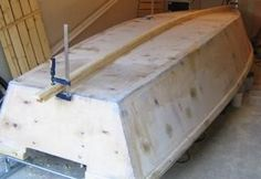 Step-By-Step Boat Plans - A 158 fishing punt Make A Boat, Build Your Own Boat, Diy Boat, Wooden Boat Building, Boat Building Plans, Sailboat Plans, Boat Crafts, Free Boat Plans, Model Boat Plans
