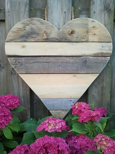 Houten hart voor in de tuin. Sloophout / van oude pallets gemaakt.