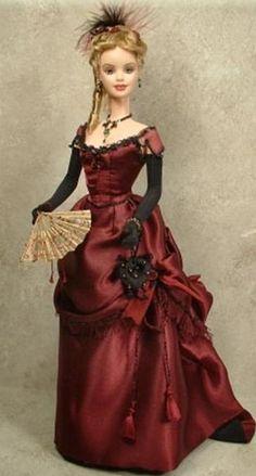 Barbie habillée d'une robe style début 20ème siècle.
