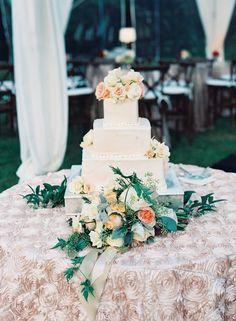 Beautiful square wedding cake