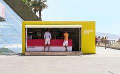 A Monaco ha aperto il Pantone Cafè, c'è tempo fino al 9 settembre Se siete fan di Pantone e delle sue scale di colori, questa potrebbe essere la notizia che stavate aspettando. Ha aperto a Monaco il primo Pantone Cafè, dove tutto ma proprio tutto rispetta la color  #pantone #cafè #design #food