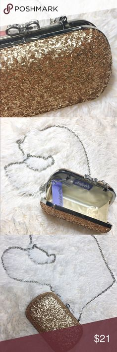 Sequined glitter clutch ✨ Brand new with tags  Perfect for prom, school dance, basically any special occasions it's too Glam not have .  I do not trade ❌  Bundles accepted • Discounts are given when you use the bundle feature at checkout ✅  Connect with me 💐  🎥 YouTube Channel: VonnaNista Vlogs  🌸 Instagram: @Vonna_Nista   Thanks for Shopping in my shop babes! 😘 Claire's Bags Clutches & Wristlets