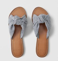 Abercrombie & Fitch A&F Women's Knot Slide Sandals in Navy Blue - Size Block Heel Loafers, Accesorios Casual, Womens Clearance, Fashion Sandals, Slide Sandals, Sandals Sale, Blue Shoes, Summer Shoes, Abercrombie Fitch