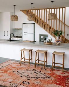 Farmhouse Kitchen Decor Ideas: Great Home Improvement Tips You Should Know! You need to have some knowledge of what to look for and expect from a home improvement job. Home Decor Inspiration, House, Interior, Home, Home Remodeling, Farmhouse Style Kitchen, House Interior, Home Kitchens, Home Interior Design