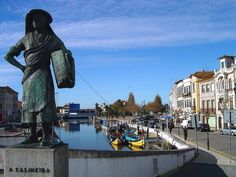 Stroll through the streets of Aveiro and admire the beautiful bronze statues.