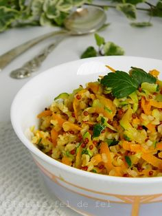 Dupa cum va spuneam si in alte posturi salatele nu ne lipsesc din … Quinoa, Salsa, Vegan, Cooking, Html, Ethnic Recipes, Kitchen, Food, Future