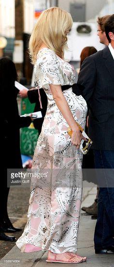 Pregnant Claudia Schiffer (439×1024)