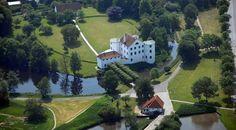 Brundlund Slot v. Åbenrå. Bygget af Dr.Magrethe den 1.