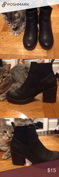 H&M Boots Brand new h&m boots, not my size. Worn twice. Cat not included. H&M Shoes Ankle Boots & Booties