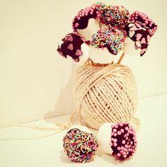 Dolce bouquet... Idea per san valentino... Marshmallow con cioccolato e codette di zucchero