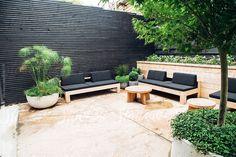 Garden Design Ideas : A beautifully minimalist outdoor hosting area. Backyard Privacy, Small Backyard Landscaping, Backyard Fences, Fence Landscaping, Pool Fence, Privacy Fence Decorations, Outdoor Living, Outdoor Decor, Outdoor Gardens