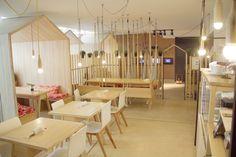 Architect Íris Cantante has designed a cafe/restaurant in Buenos Aires, Argentina - Retailand Restaurant Design Small Restaurant Design, Cool Restaurant, House Restaurant, Design Salon, Deco Design, Cafe Design, Minimalist Interior, Modern Interior Design, Cafe House