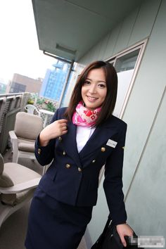 Jac+woman+inside+beautiful+stewardess_01.jpg 853×1.280 pixels