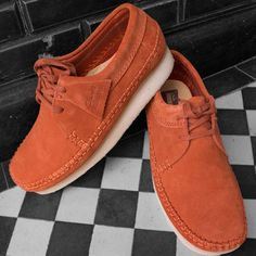 Clarks Desert Boot, Desert Boots, Clarks Shoes Mens, Clarks Boots, Mens Dress Loafers, Mens Fashion Shoes, Men's Fashion, Mode Jeans, Moda Masculina