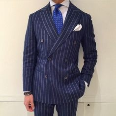 WHAT MEN WEAR Silver Shirt, Men's Pocket Squares, Suit Shirts, Sartorialist, Costume, Tailored Suits, Gentleman Style, Stylish Men, Double Breasted