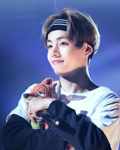 I love you too much for words! >< Kim Taehyung || V || BTS
