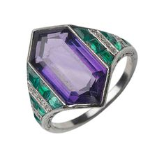 FD Gallery | An Art Deco Amethyst and Emerald Ring, by Van Cleef & Arpels