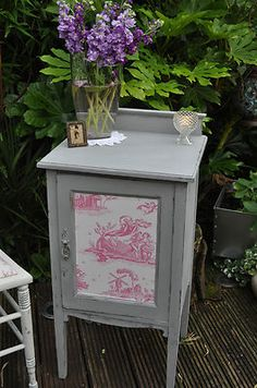 VINTAGE SHABBY CHIC CUPBOARD BEDSIDE SIDE TABLE CABINET IN FRENCH LAURA ASHLEY