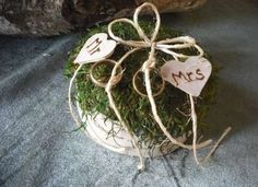 Birch bark and moss ring bearer pillow with engraved hearts, for your woodland nature, eco friendly, fairytail wedding. Rustic Wedding, Our Wedding, Dream Wedding, Wedding Rings, Wedding Ideas, Ring Bearer Pillows, Ring Bearer Box, Cosy Decor, Woodland Wedding Inspiration