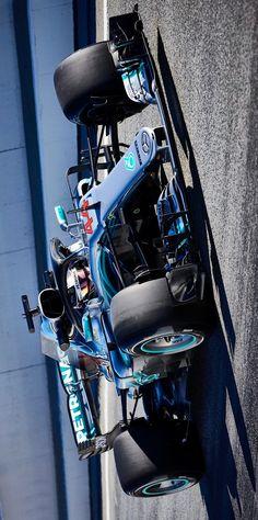 2018/3/10:Twitter: @LewisHamilton: Testing, done. Let's get to racing... @MercedesAMGF1 #F1 #VB77 #LH44 #MercedesAMGF1 #F1 #2018 #W09 #Mercedes #AMGF1 #2018F1 #FormulaOne