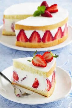 pastry made with strawberries, sponge cake, cream and often covered with a thin layer of marzipan (mostly pink). Köstliche Desserts, Delicious Desserts, Yummy Food, Food Cakes, Cupcake Cakes, Bolo Original, Sweet Recipes, Cake Recipes, Summer Dessert Recipes
