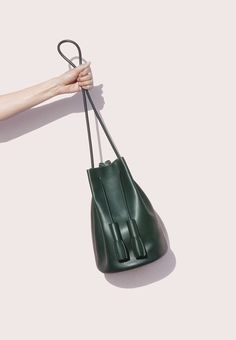 Building block forest green bucket bag