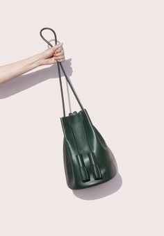 Building block forest green bucket bag