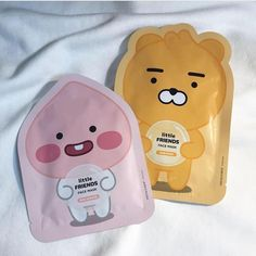 Liz Earle's skin-brightening face mask – Keep up with the times. Asian Makeup, Korean Makeup, Korean Skincare, Korean Beauty, Peach Aesthetic, Korean Aesthetic, Face Care, Body Care, Skin Care
