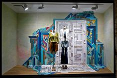 Anthropologie Wall Displays! I always wished I could find a site displaying their outfits and now I can, although it hasnt been updated in a while
