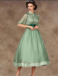 Resultado de imagem para audrey hepburn dress