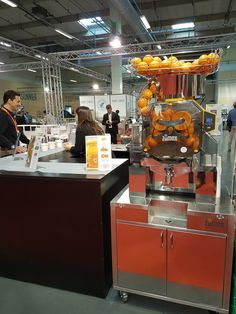 That was our participation at #SalonSystèmeU 2017! Our #juicers, perfect for #supermarket chains were there!  #SpeedProPlusSelfServicePodium