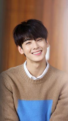 His smile can literally cure cancer Cute Asian Guys, Cute Korean, Korean Celebrities, Korean Actors, Celebs, K Pop, Pretty Boys, Cute Boys, Cha Eunwoo Astro