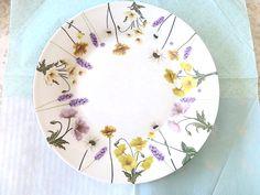 お花の大皿です | Craft Salon Lumière ~ポーセラーツが大好きです~ 宮城県・仙台でポーセラーツ教室とオーダーメイドで作成するオリジナル転写紙を販売しています