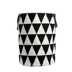 ferm LIVING Triangle Wäschekorb | Groß · Aufbewahrung · BåRWALDSON | Online-Shop für skandinavisches Design