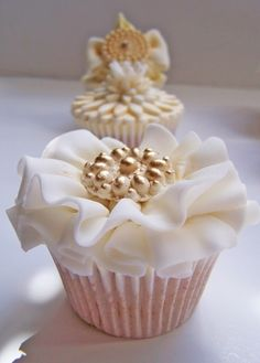 vintage cupcakes- these are beautiful!