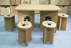 ronds tabourets en carton et table pour faire un kit