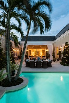 Last month, I wrote about Regency style homes which became popular in Palm Beach in the 1950s and 1960s. Recently, I discovered this histori...