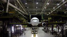 Un Boeing Air France, la mentenanță (video) Boeing 777 300, Boeing Aircraft, Air France, Cg