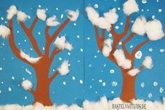 Winterdeko basteln Schneetreiben Winterdeko Snowdrift – made of construction paper and finger paint we make a wintry forest in the snowdrift. Winter Crafts For Kids, Paper Crafts For Kids, Winter Kids, Winter Art, Snow Crafts, Christmas Crafts, Winter Thema, Snow Theme, Kindergarten Art Projects