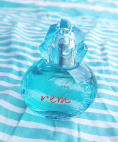 Un parfum d'été Rem de Reminiscence, un must du genre Reminiscence, Fragrances, Perfume Bottles, Articles, Amazing, Makeup, Blog, Beautiful, Vintage