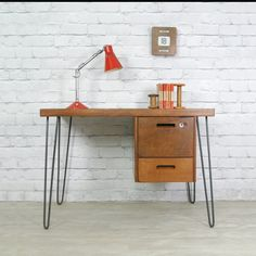 C'est la rentrée ! Voici une jolie idée de bureau a realiser avec des hairpin legs !  #hairpinlegs #backtoschool #bureau #design #vintage #office #doityourself #diy #ripaton