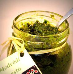 Pesto z medvědího česneku - asi to nejlepší pesto jaké může být. Seaweed Salad, Chutney, Pesto, Dressing, Ethnic Recipes, Food, Essen, Meals, Chutneys