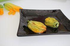 Fleurs de courgettes farcies à la ricotta / Vite fait... bien cuisiné C'est Bon, Mai, Ricotta, Asparagus, Vegetables, Stuffed Zucchini, Strawberries, Kitchens, Studs