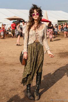 Hippie-Mode-Ideen – Kleidung im böhmischen Stil, Hippie-Mädchen, Boho-Mode-Outfit – Hippie fashion ideas – bohemian style clothes, hippie girls, boho fashion outfit – … Moda Hippie, Moda Boho, Hippie Boho, Hippie Girls, Edgy Bohemian, Bohemian Outfit, Grunge Hippie, Vintage Hippie, Boho Gypsy