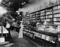 Interior of Rural Frontier Country Store. My heroine owns and runs Talbot's Supply Depot for pioneers going out West. Vintage Pictures, Old Pictures, Old Photos, Vintage Images, Old General Stores, Old Country Stores, Store Interiors, Vintage Interiors, Store Displays
